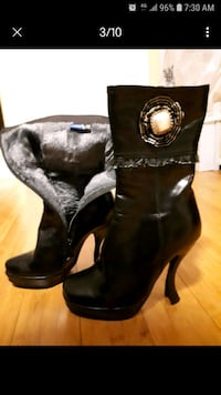 Women's boots like new condition size 8 Toronto, M2R 3L7