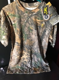 Camo Browning T-shirt- New with tags