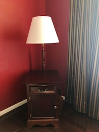 End Table with Lamp Gainesville, 20155