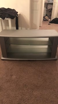 Silver tv stand  Sellersburg, 47172