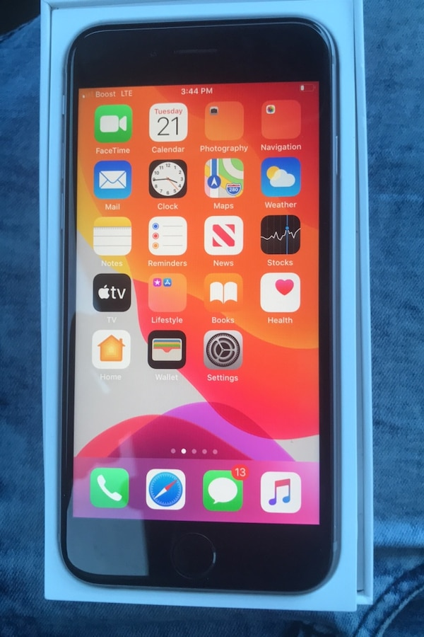 iPhone 6s 32GB unlocked for boost mobile carrier  7898319e-149e-4d86-a114-07c4649f9fd0