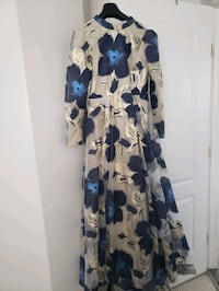 Dresses worn once excellent condition call or text  [TL_HIDDEN]  for m Edmonton, T5A