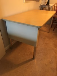 Desk / Table Oakton