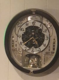Seiko chiming dancing wall clock  Irving, 75061