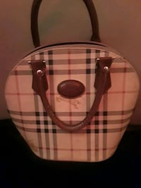 Burberry purse Edmonton, T5L 1J1