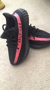 Yeezys 350 V2 (red stripe) Mississauga