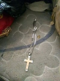 silver chain link necklace with cross pendant Baltimore, 21213