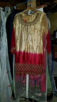 gold and red 3 picec Indian outfit  Mississauga, L5V 2A8