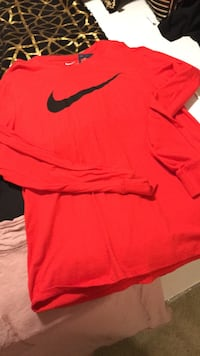 Nike long sleeve  Fort Worth, 76135