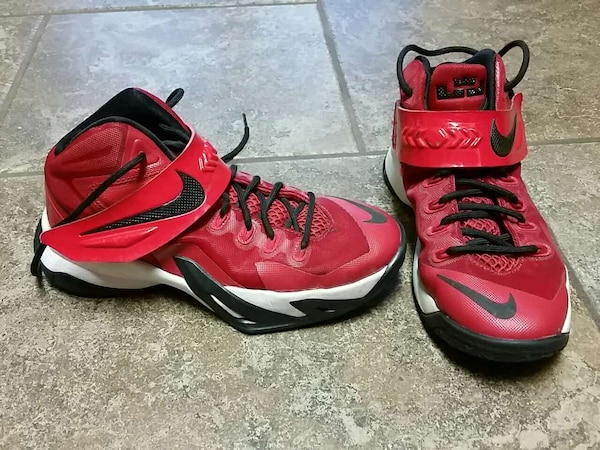 check out 1fff8 cb91b Used Lebron James basketball youth shoes, boys size 4.5 for sale in Ashland