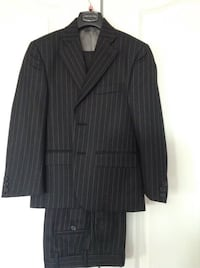 Perry Ellis Navy striped suit size 8 youth Vaughan, L4L 6A9