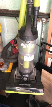 black and gray Bissell upright vacuum cleaner Crestview, 32536