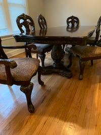 Dining room table  Chicago, 60620