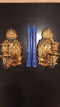 Williamsburg Pineapple wall sconces w/candles. In excellent shape.  Montgomery Village, 20886