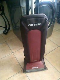 Oreck vacuum cleaner please read the description Las Vegas, 89121