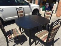 Dining table with 4 chair good condition