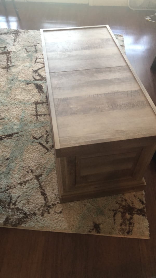 Coffee table with storage.  867bbb67-a170-4587-b2cb-fd3cbe031571