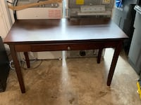 Heartbroken desk needs a home!