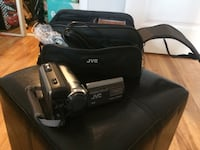 Black and gray jvc video camcorder.