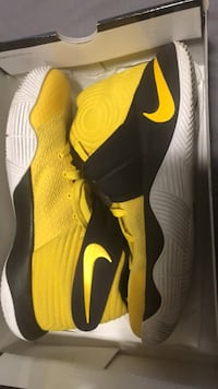 Kyrie 2 yellow  size 9.5 basketball Detroit