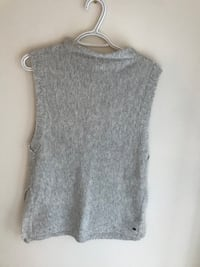 Monk and Lou sleeveless sweater size XS