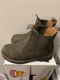 Size 7 worn for just a few hours don't fit but such a cute booties  Vaughan, L4H 2G9