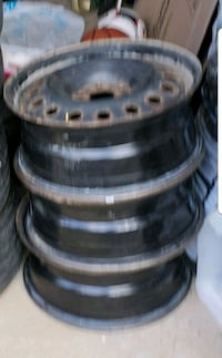 SET OF RIMS - 16 inches - 5X100  Mississauga