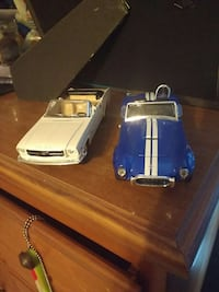 2 wind up cars  Mont Alto