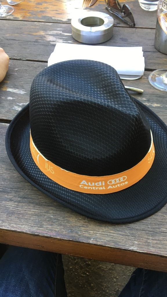 Noir Audi Central Autos chapeau de cow-boy