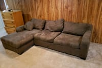 Couch Mississauga, L5G 3S6