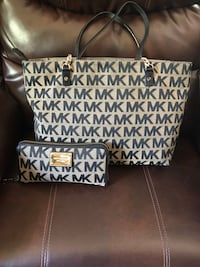 Authentic Michael kors tote with matching wallet Toledo, 43606