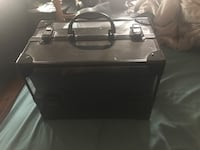 Black and gray make up case  Beaumont, T4X