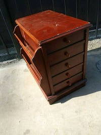 Cherry wood side table by hammary Los Angeles, 91411