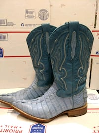 Blue alligator boots size 5 1/2 Tulalip, 98271