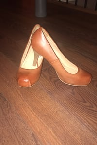 Leather shoes size 8 Abbotsford, V3G 0B7