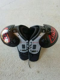 Youth  football shoulder pads  Daphne, 36526