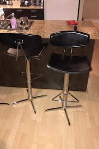 4   Leather bar  stool  like new   Toronto, M4P 1T4