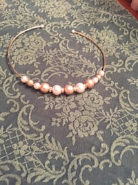 Gold and pearl choker necklace