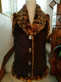 Faux Fur Reversible Vest New Never Worn! Size Small Omaha, 68105
