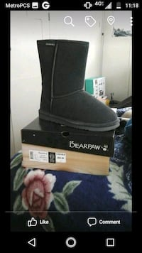 Grey BearPaw Boots New in box Lompoc, 93436