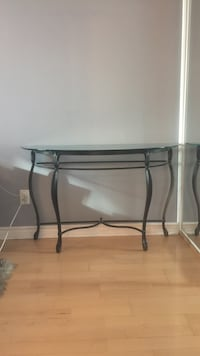 Beautiful glass console / entrance table can deliver 536 km