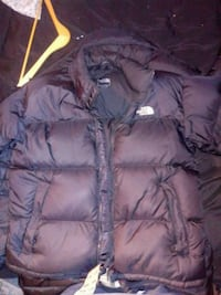 black zip-up bubble jacket northface mens medium Northampton, 18067