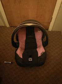 used baby 39 s black and neon purple convertible car seat in negaunee. Black Bedroom Furniture Sets. Home Design Ideas