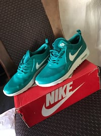 Women's Nike Air Max size 9.5