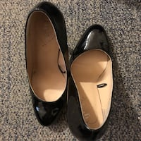 Pair of black patent leather heels Whitby, L1N 4X7