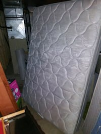 gray and white floral mattress