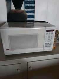 white General Electric microwave oven Glen Burnie