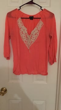 women's pink and white blouse Carrollton, 30116