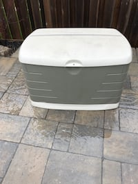 Deck box Rubbermaid Vaughan, L4L 5P5