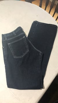 Men's jeans size 33x34 fits a little small Martinsburg, 25403